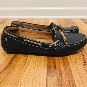 CLARKS | Navy blue boat shoes Size 8
